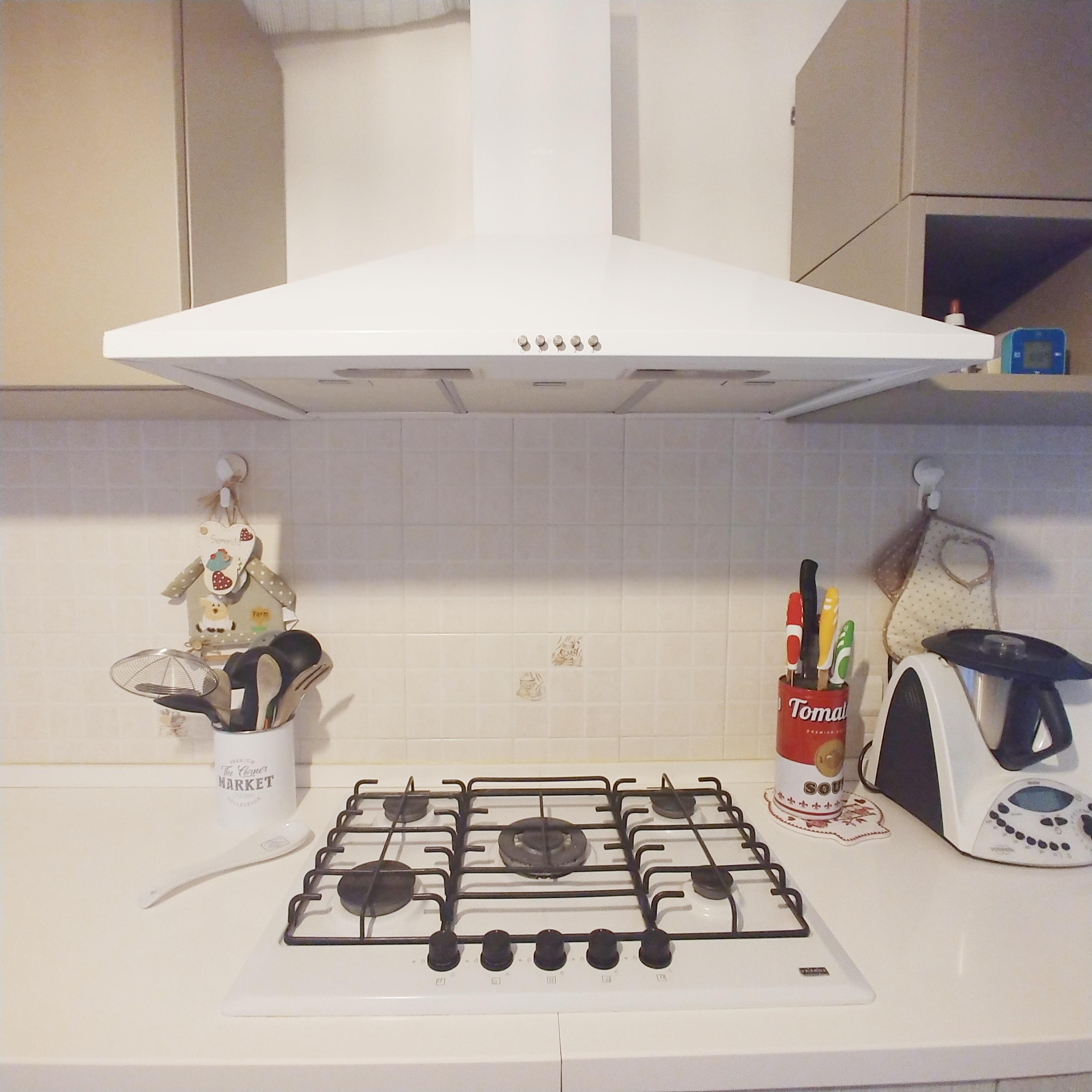 cappa cucina bianca