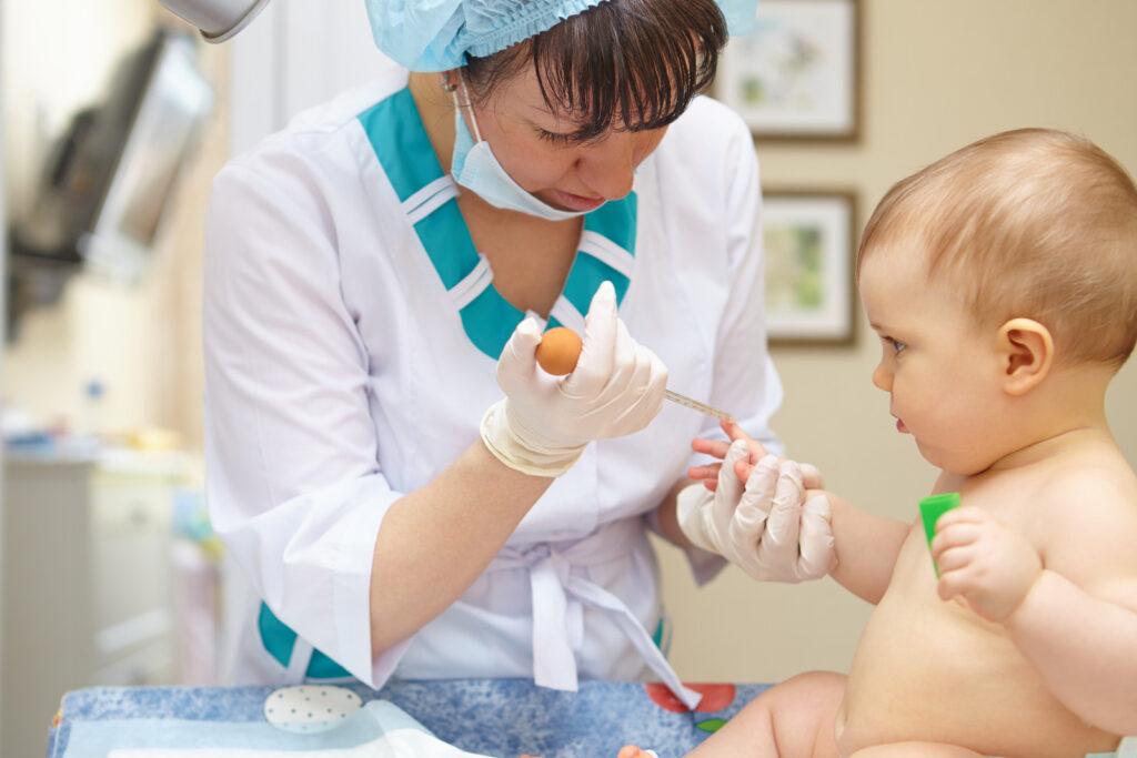 Eseguire le analisi del sangue ai bambini: si o no?, Pianoterralatoparco